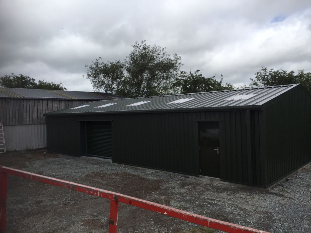 steel workshop with 5 skylights in shropshire